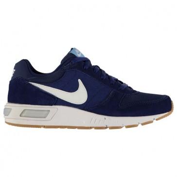 Nike meeste vabaajajalatsid